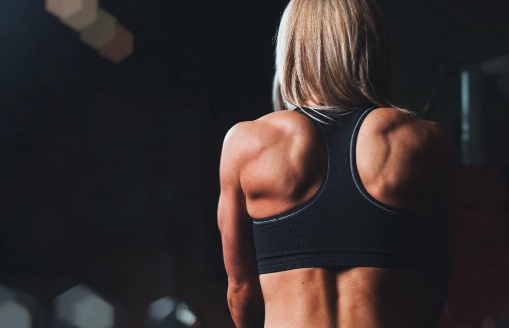 12 простых домашних упражнений для спины